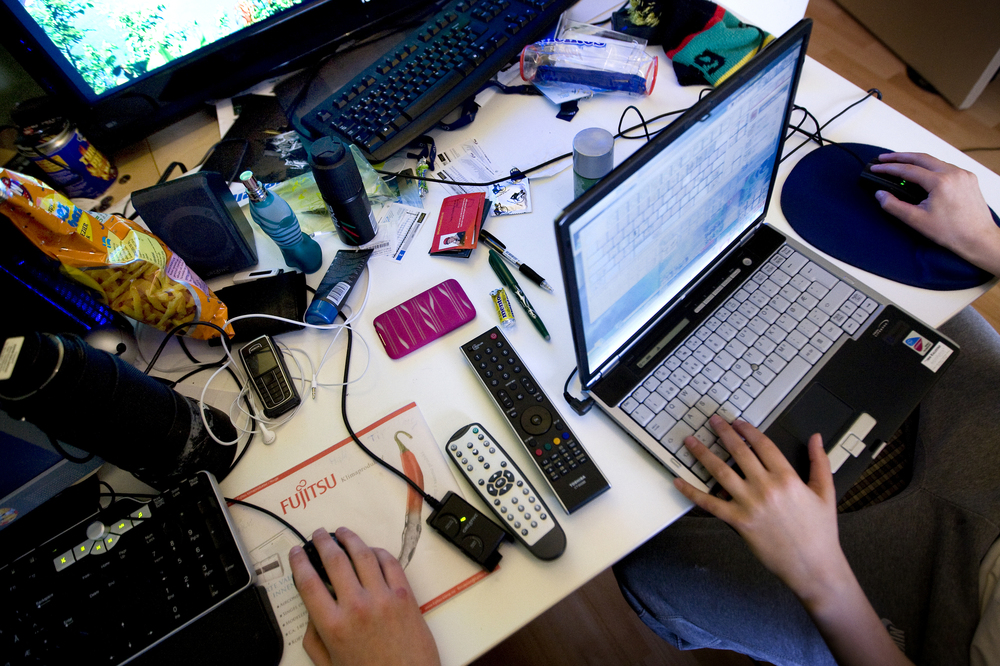 8a16cf34 MULTITASKING: Mange opplever at laptopen blir treg når de gjør flere ting  på én gang. Det skyldes ofte at maskinen ikke har nok minne.